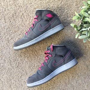 Nike Unisex Grey & Pink Jordan Mid Top Sneakers